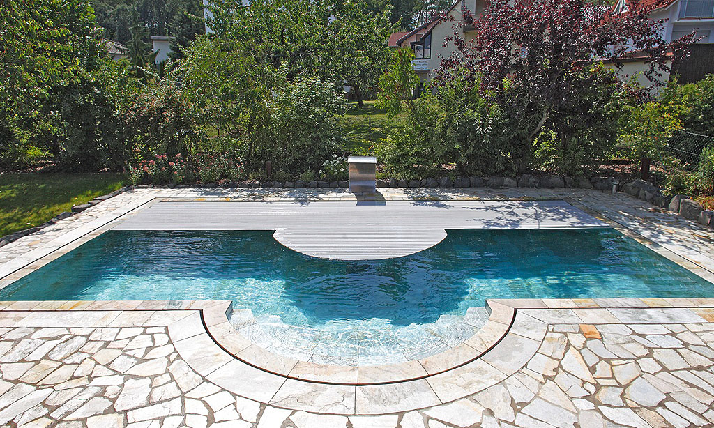 Pools aus beton pool magazin for Pool eingraben ohne beton