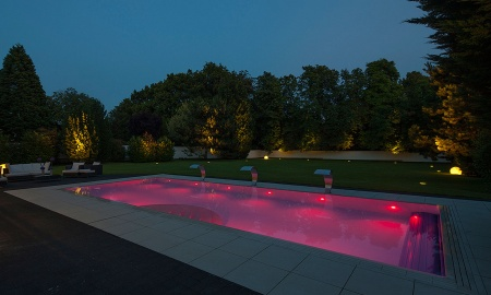 Pool mit Beleuchtung