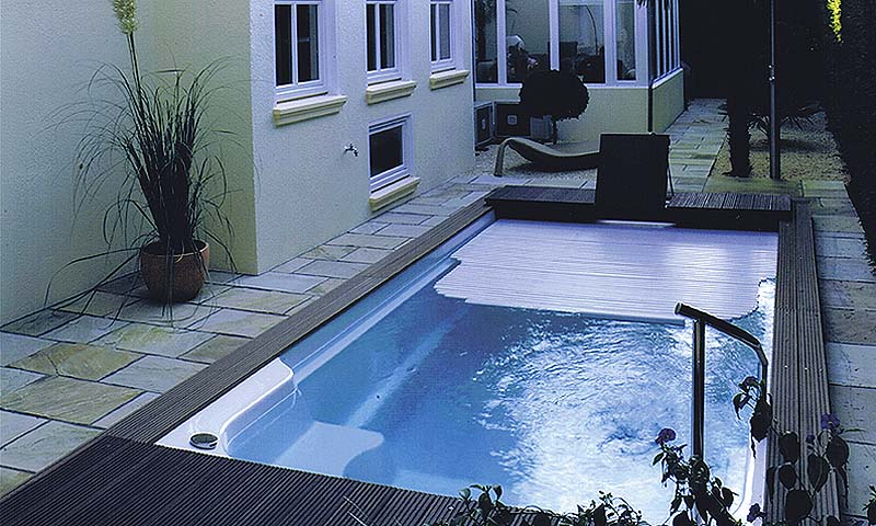 schwimmbad abdeckungen pool magazin. Black Bedroom Furniture Sets. Home Design Ideas