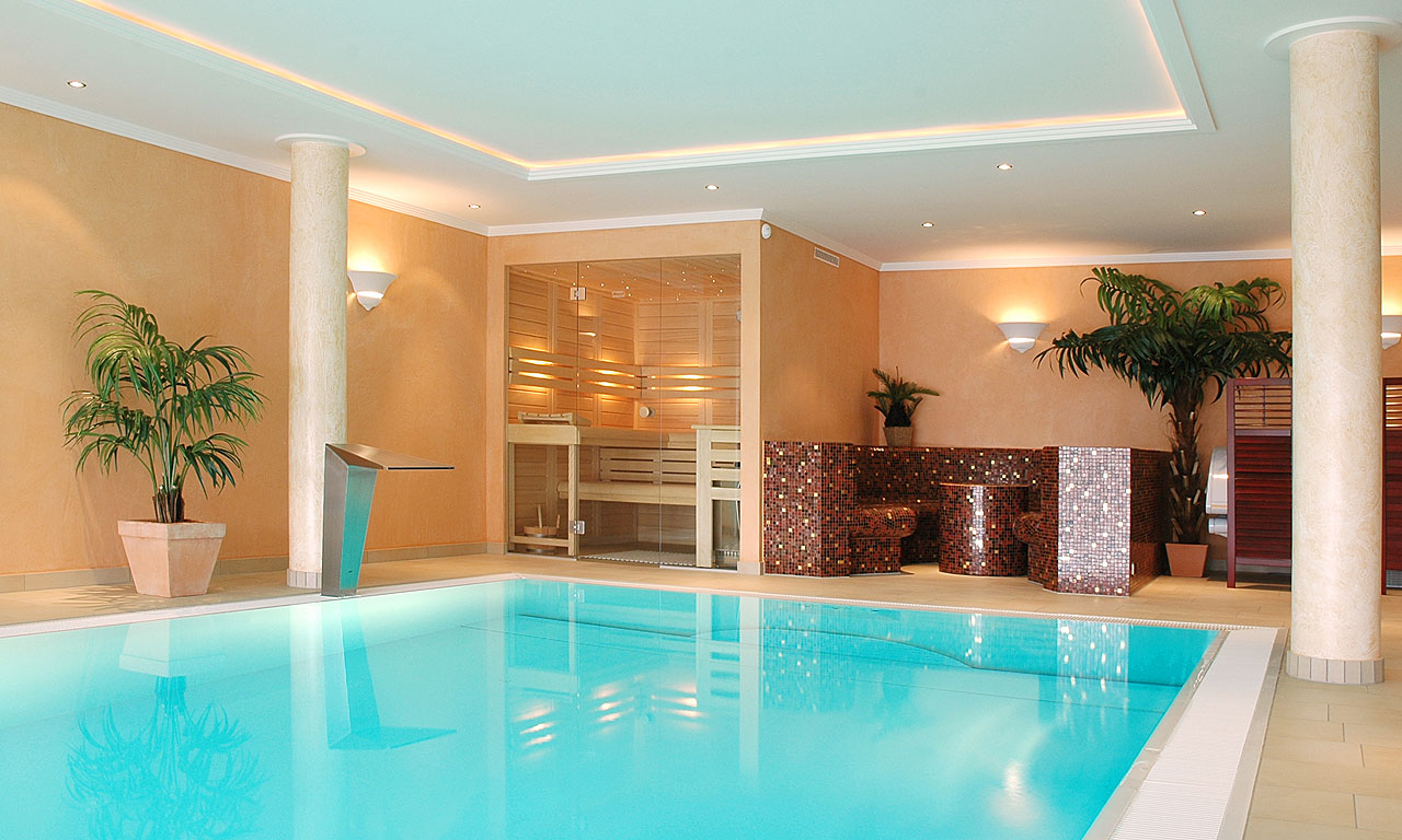 Indoor pool keller  Ein Luxuspool im Fertighaus | Pool-Magazin