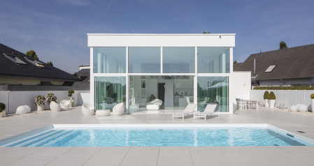 01_pool-weiss-design-poolbau-clean